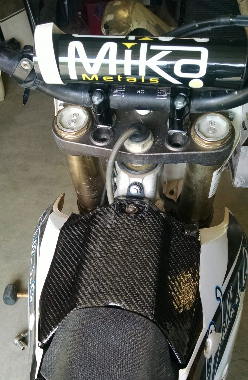 The new carbon fiber airbox installed